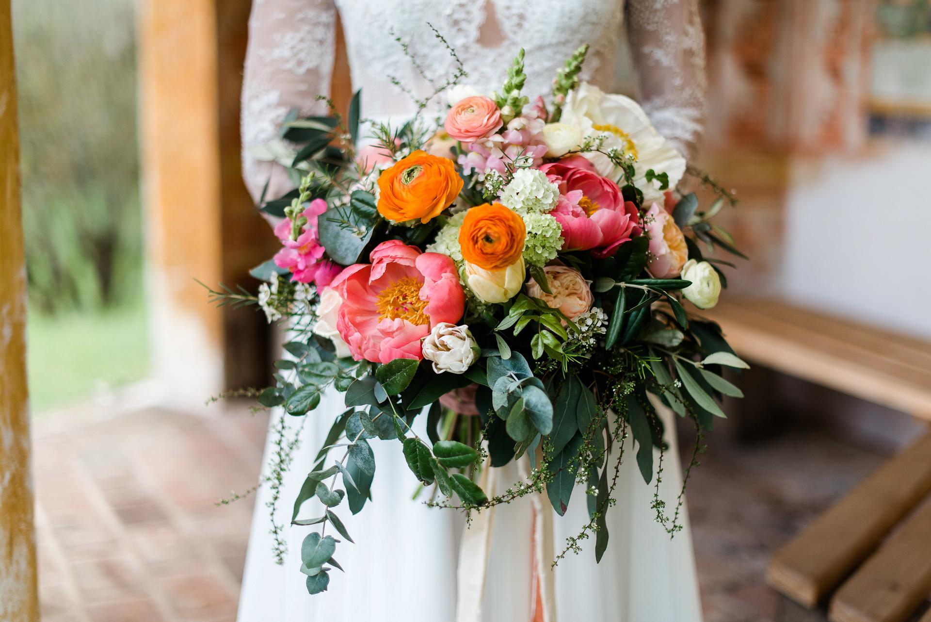 Brautstrauß Apricot und Living Coral Seelensachen Florietta