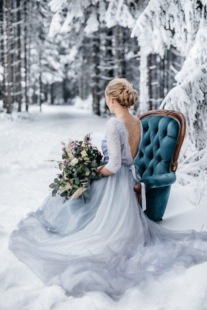 Winterhochzeit mit Moongate Bridelights Florietta